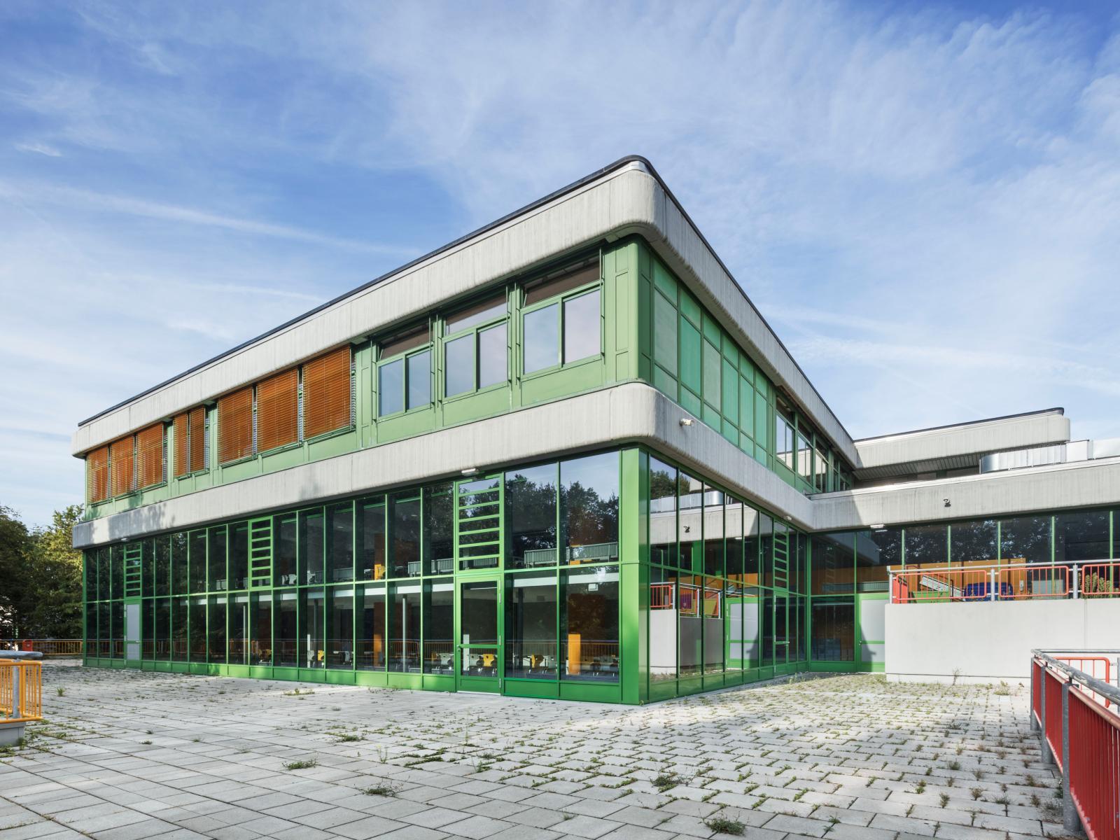 Schulzentrum Erweiterung Sanierung Haan Fassade