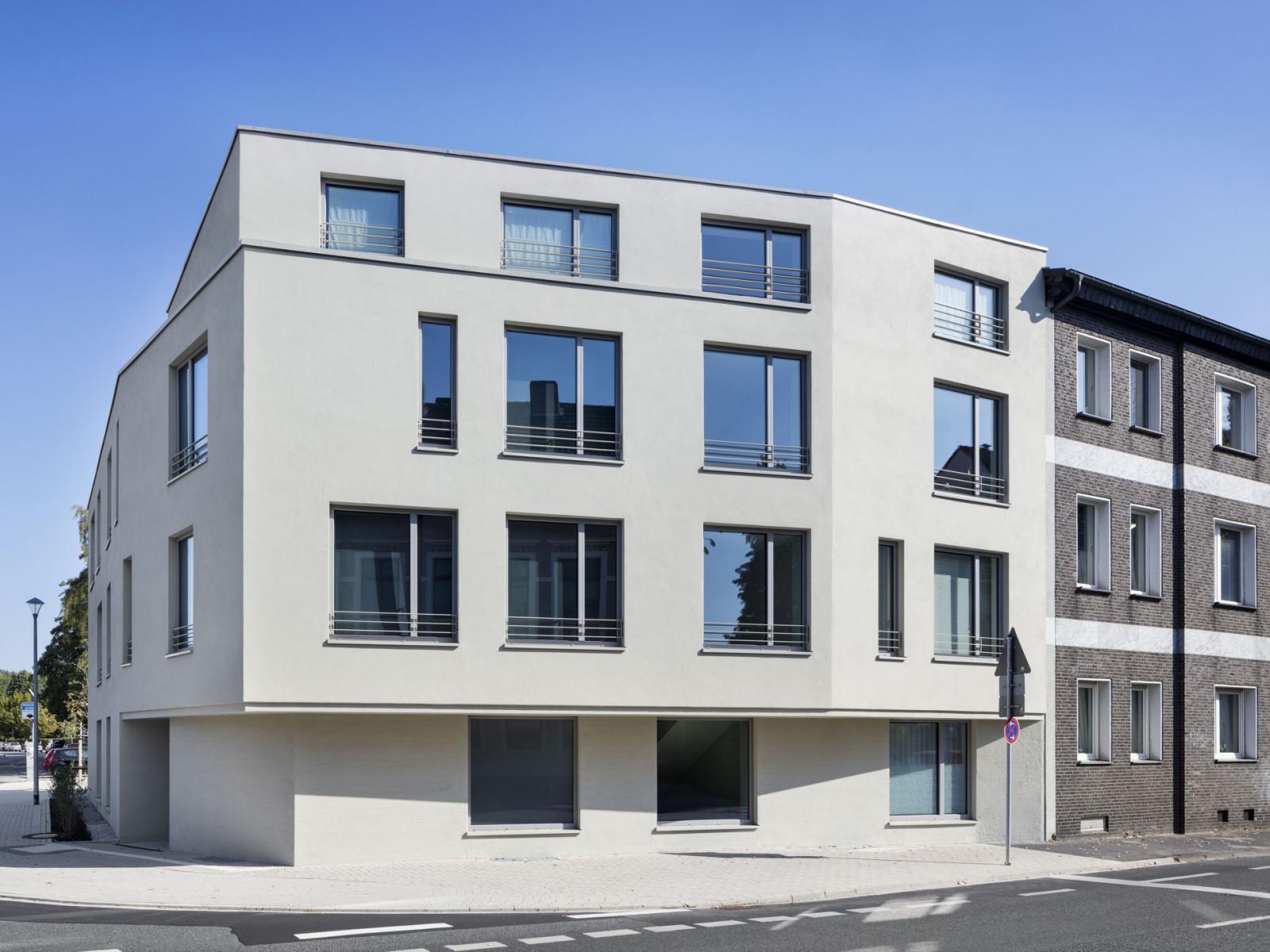 Rollstuhlgerechtes Wohnen Feuerwehrhaus Fassade