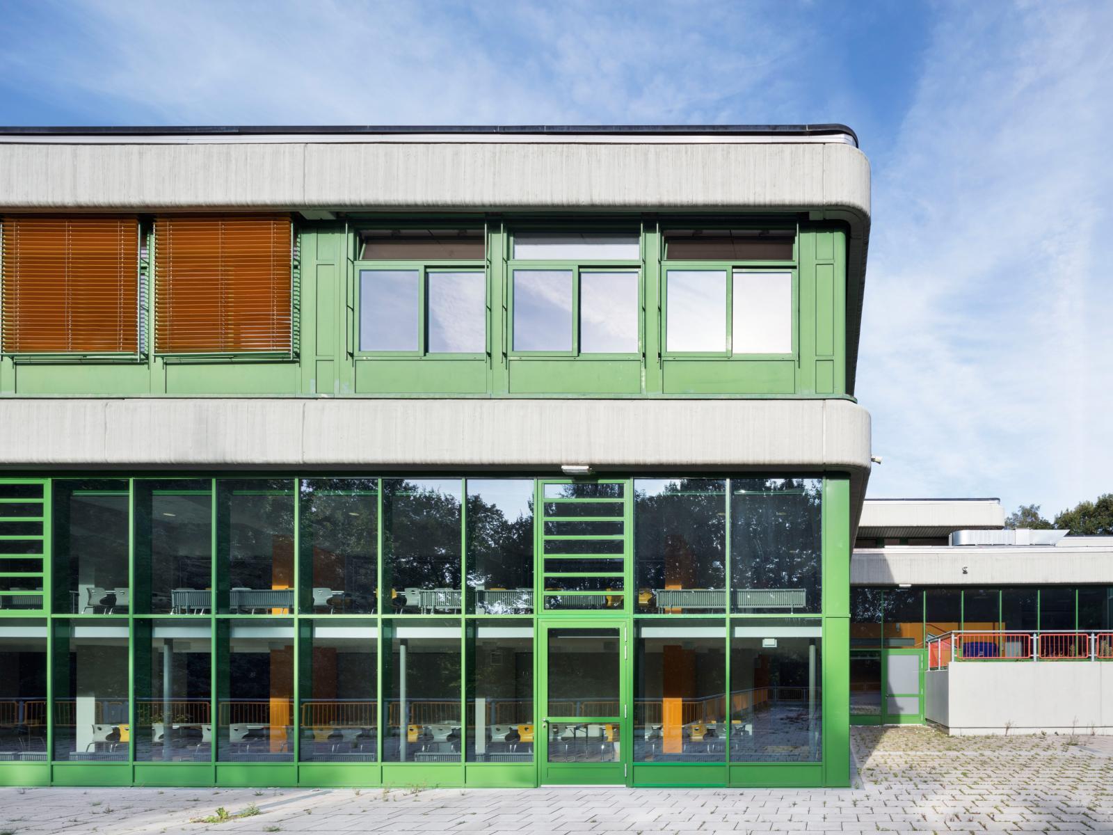 Schulzentrum Erweiterung Sanierung Haan Fassaden-Renovierung